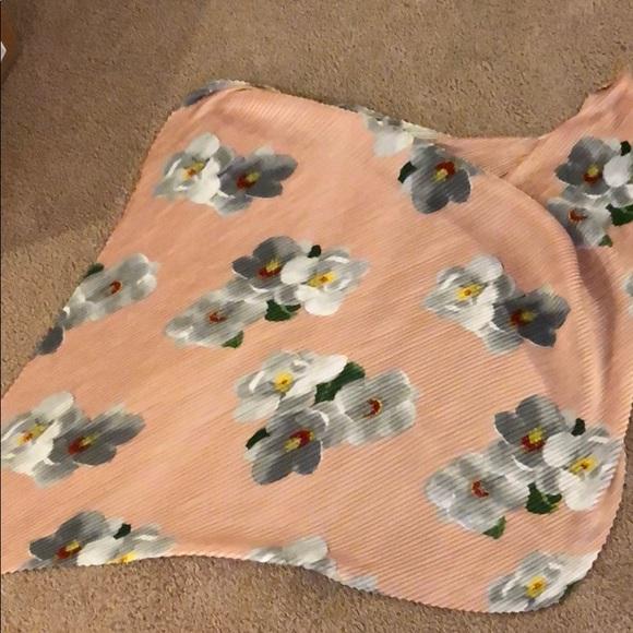 Calvin Klein Accessories - Brand new Calvin Klein scarf pinkand floral design